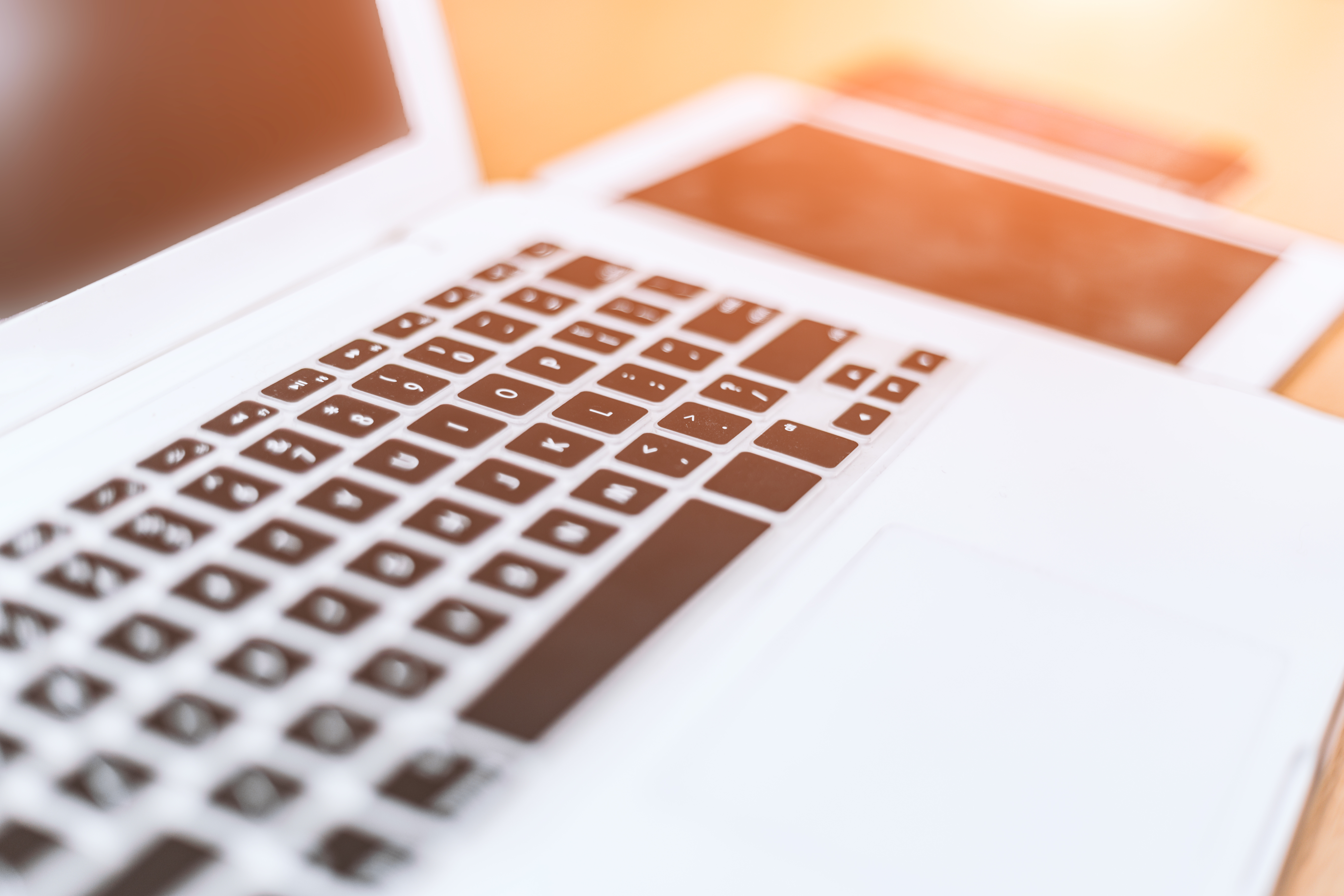Kuvassa on tietokoneen näppäimistö.
