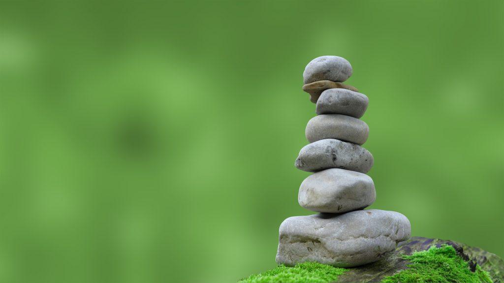 Kuvituskuva Kiviä päällekkäin